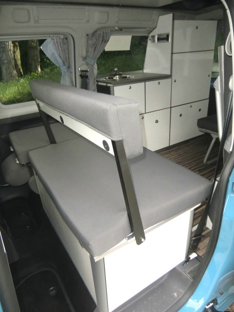 kleiner ist geiler vom t5 california zum vw caddy camper. Black Bedroom Furniture Sets. Home Design Ideas