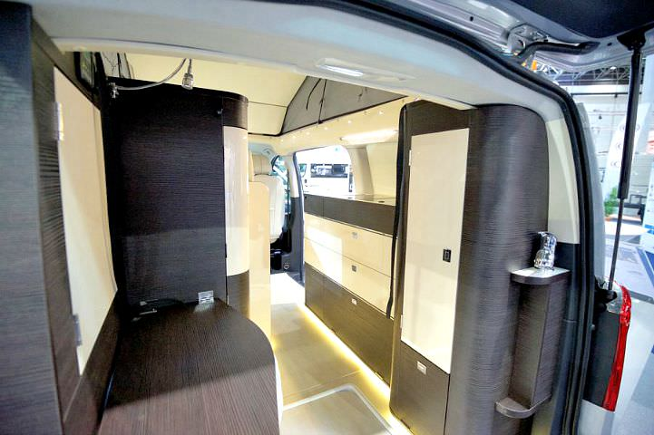 caravan salon 2015 westfalia jules verne und kepler. Black Bedroom Furniture Sets. Home Design Ideas