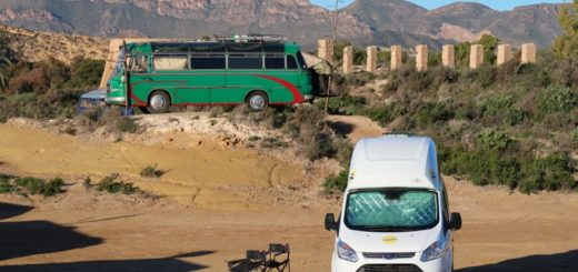 Spanien mit dem Wohnmobil Nugget und Bus