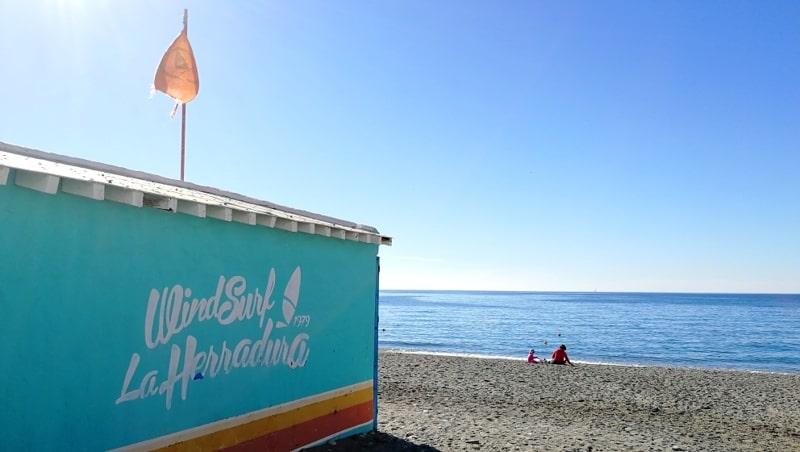 Spanien mit dem Wohnmobil Windsurfing